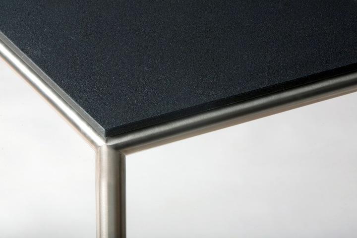 R17-quartzzwart-Detail